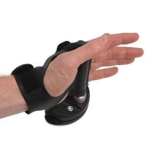 qr-glove-and-peg_1425_detail