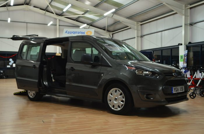 Motability Nearly New: Ford Connect Grand Zetec 1.5 100ps