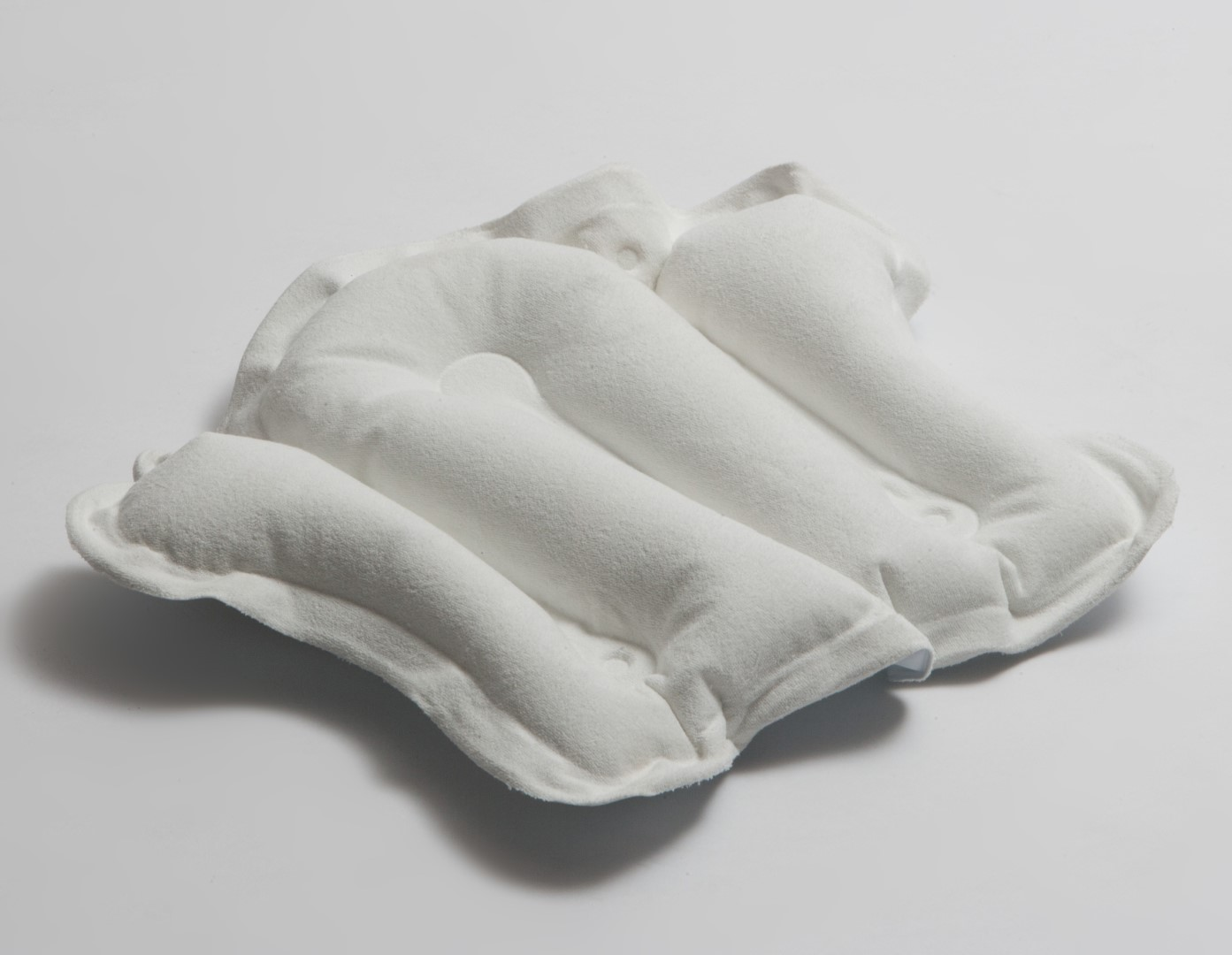 Inflatable Bath Pillow | Alfred Bekker